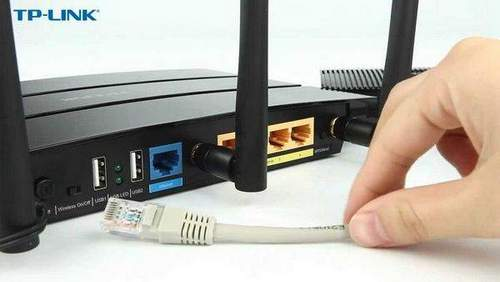 How to Connect a Router to a Computer